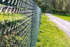 Laadukkaat aidat, kaiteet ja portit kotitalouksille